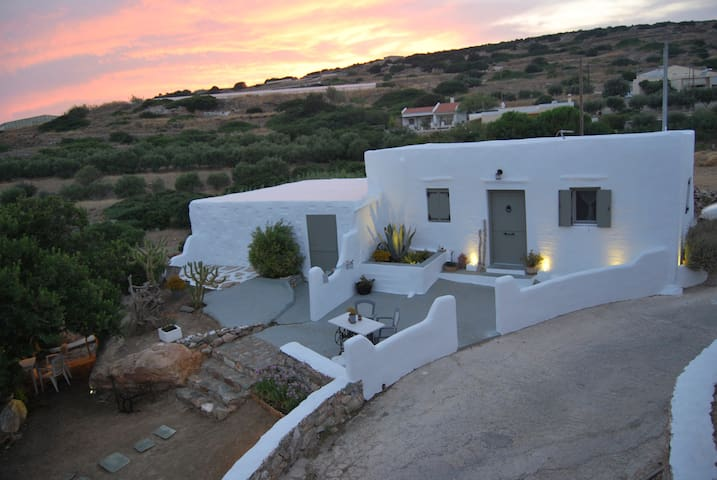 Traditional Stone House with Studio PONENTE and Studio SIROCCO
