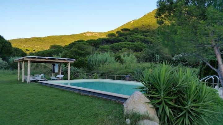 posto tranquillo con piscina