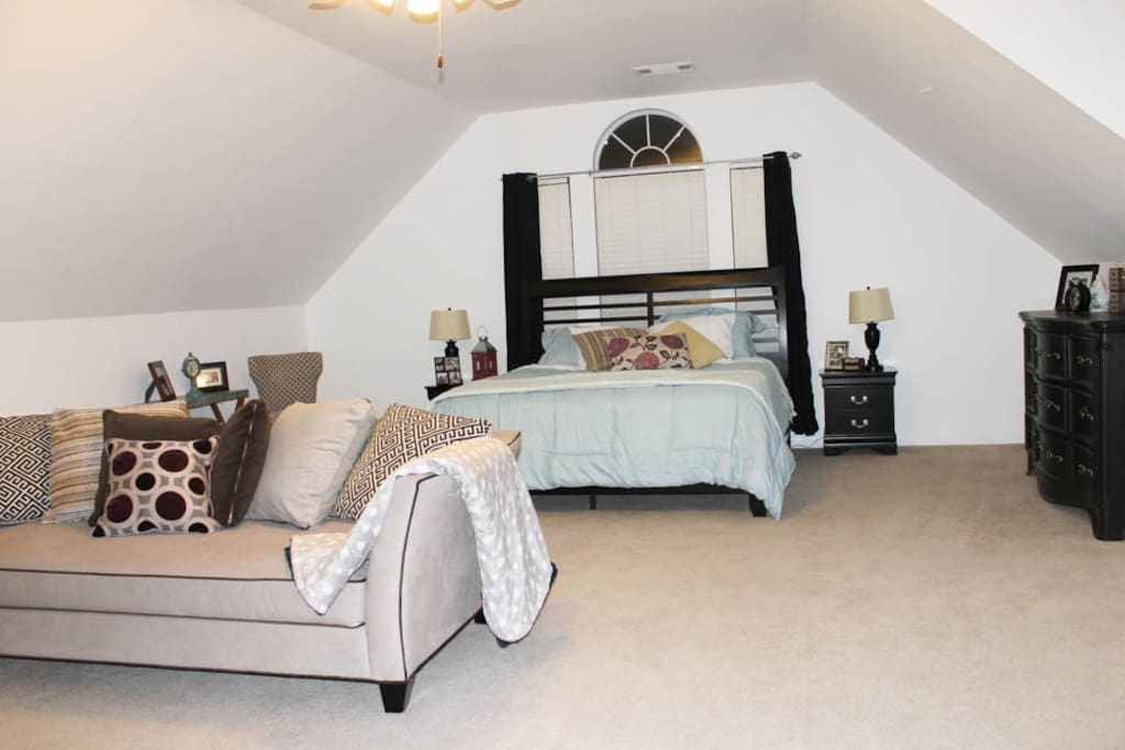 The Colorado Suite At The Red Brick House Houses For Rent In San Antonio Texas United States