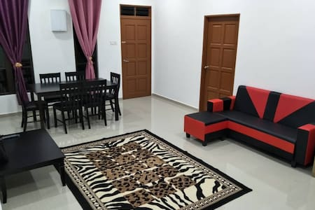 Kerteh Townhouse 3 Bedrooms (ASTRO,WIFI)