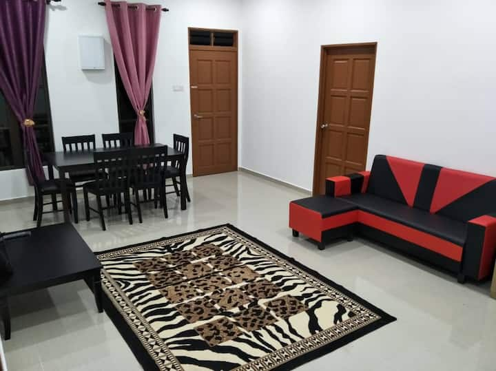 Kerteh Townhouse 3 Bedrooms (WIFI) Monthly Rental