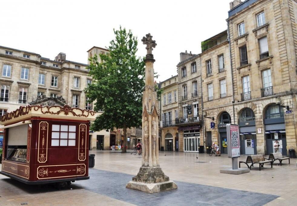 Centre Historique De Bordeaux Apartments For Rent In
