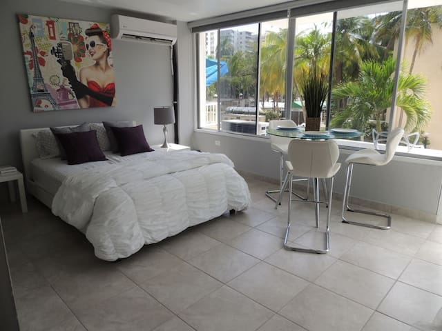 Elegant and modern studio apts in Isla Verde (2F) - Carolina - Apartamento