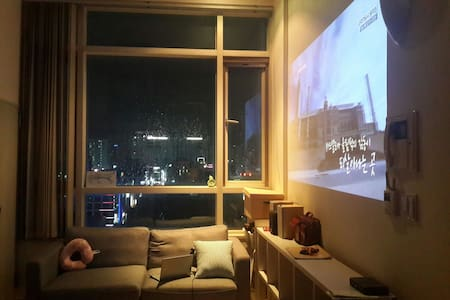 Studio apartment , 깔끔한 복층 스튜디오