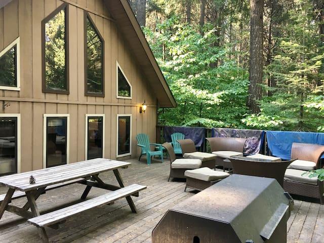 Sly Park Cozy cabin 1 bedroom + Loft, 2 bathrooms