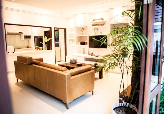 SEASALT VILLA, modern beach villa in seminyak