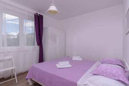 Lovely Studio Apartment with bedroom Lavanda