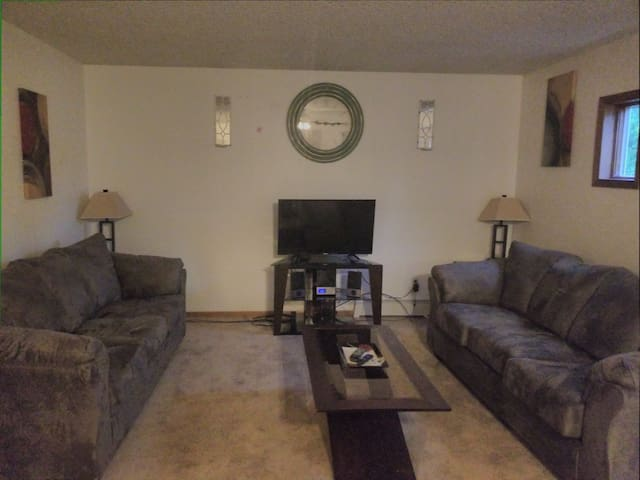 Spacious 1 BR Apartment close to Downtown Bismarck