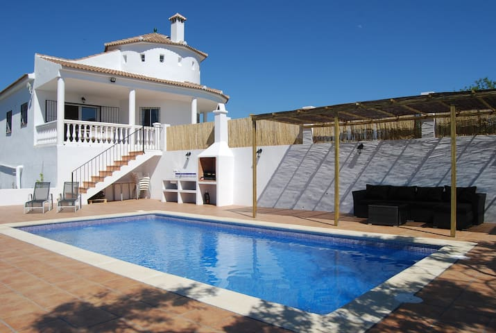 Bright and nice villa with amazing views - Benamargosa - Villa