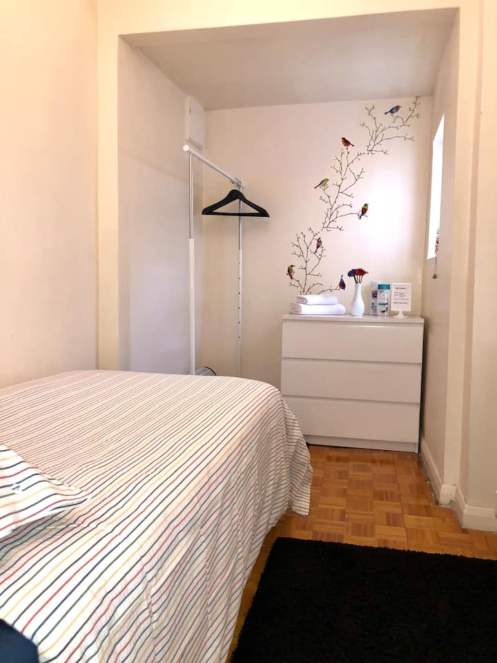 *SINGLE ROOM *CAMDEN TOWN* KINGS CROSS