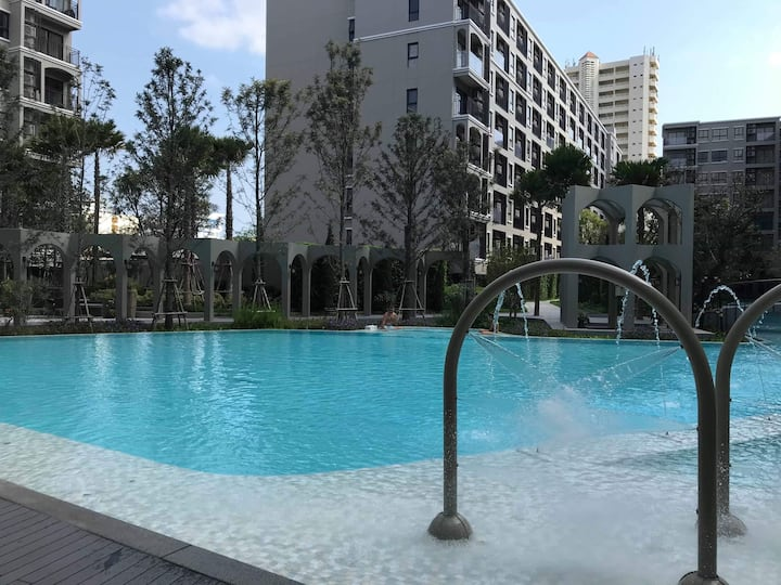 Luxury unit in central Hua Hin, near beach