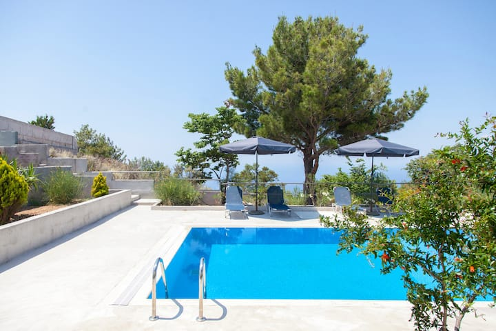 Villa Endless Blue With Pool Ideal For Families