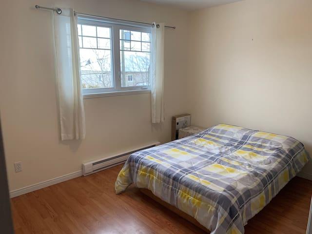 Sherbrooke, Chambre privée dans maison de ville
