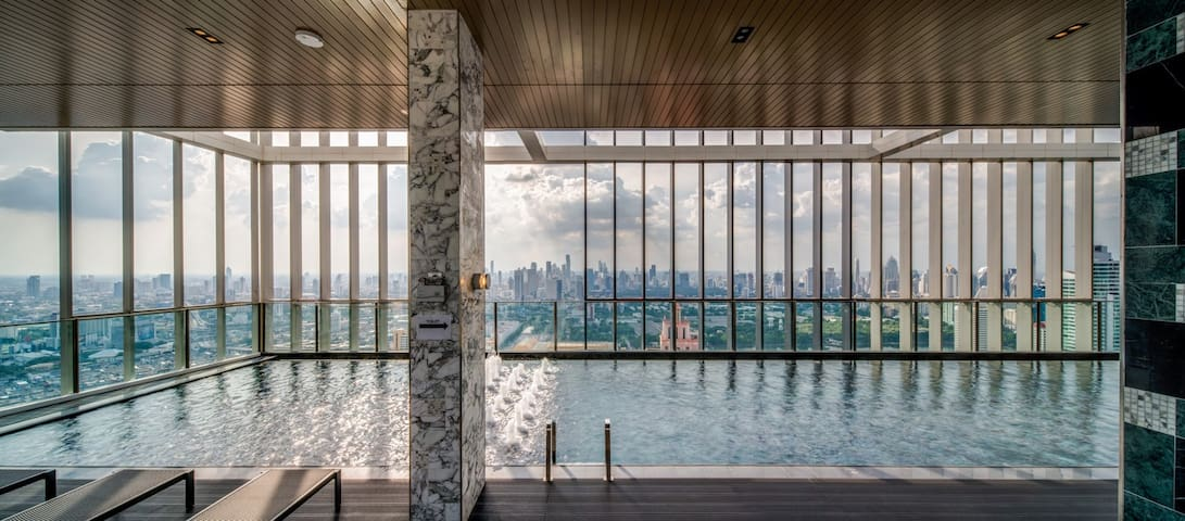 Near BTS Phrom Phong【★6STAR★SkyPool★GYM★CBD★Mall】