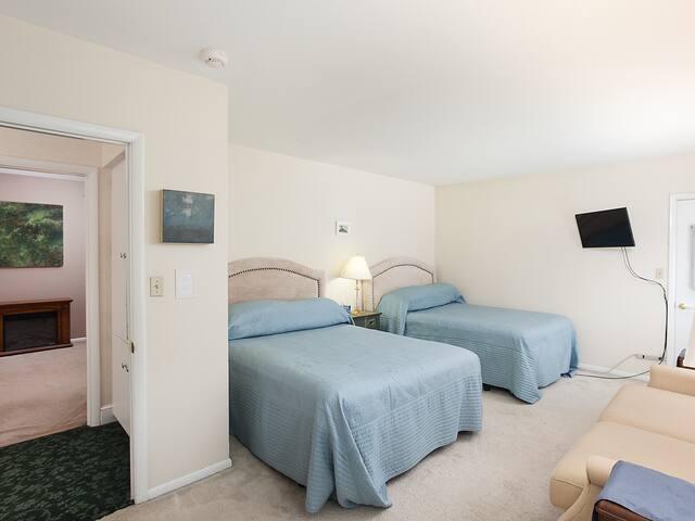 Elegant B&B comfort - Madison Room