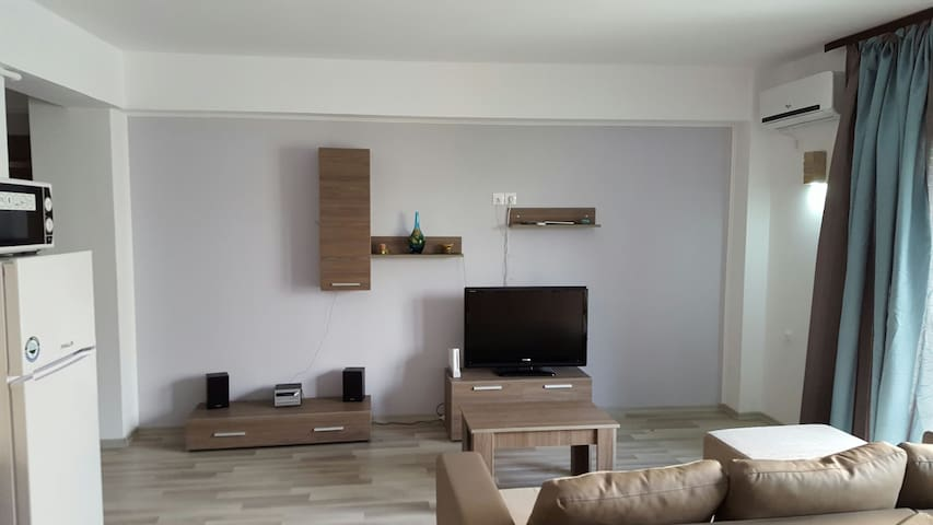 More than a rent-a home; more than a host-a friend - Mamaia-Sat - Apartemen