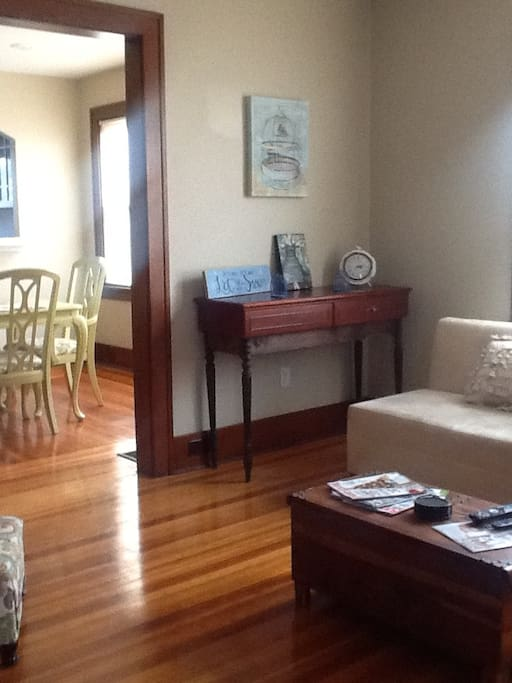Great floor plan flows into dining room