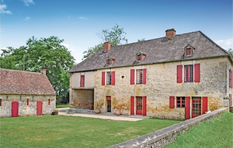 Holiday cottage with 3 bedrooms on 150m² in Domme