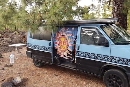 'El Niño' campervan in Teide
