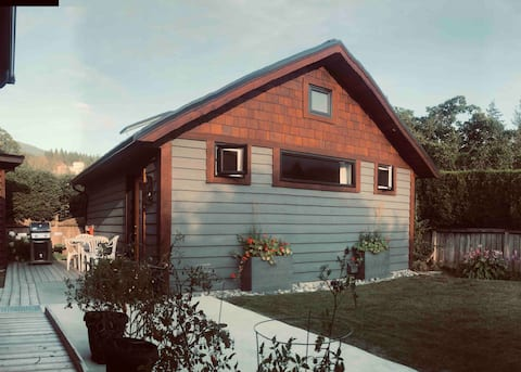 Cabin   Studio with Loft   Accessible   Private