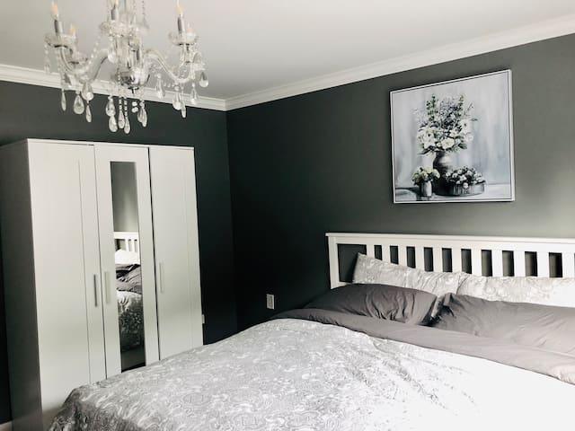 King bed new furniture bedroom