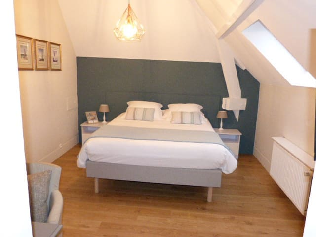 la familiale-Double room-Family-Ensuite with Bath-Countryside view