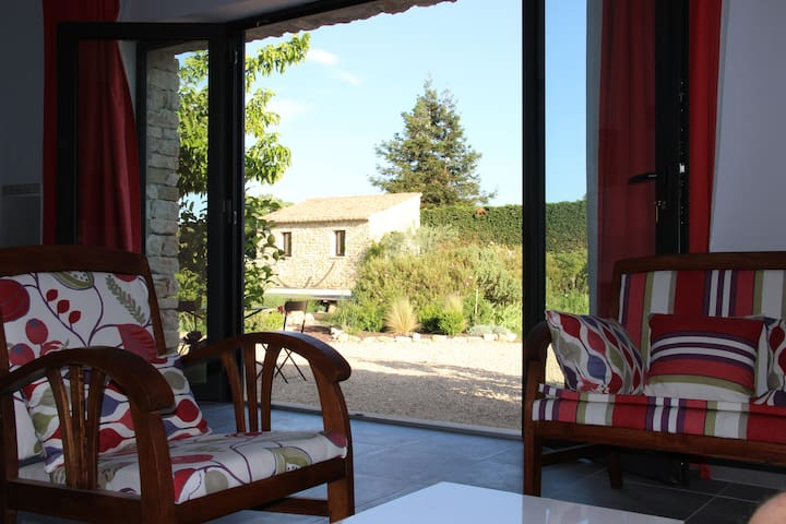 Appartement de 40 m2 dans maison - Gordes - Apartamento