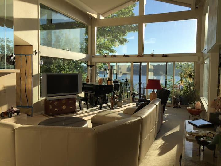 Luxury waterfront home cozy and quiet
