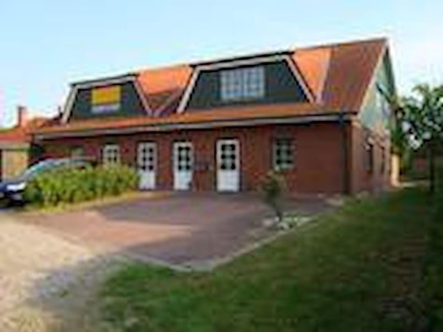 Söhren 22 - prasdorf - Rumah