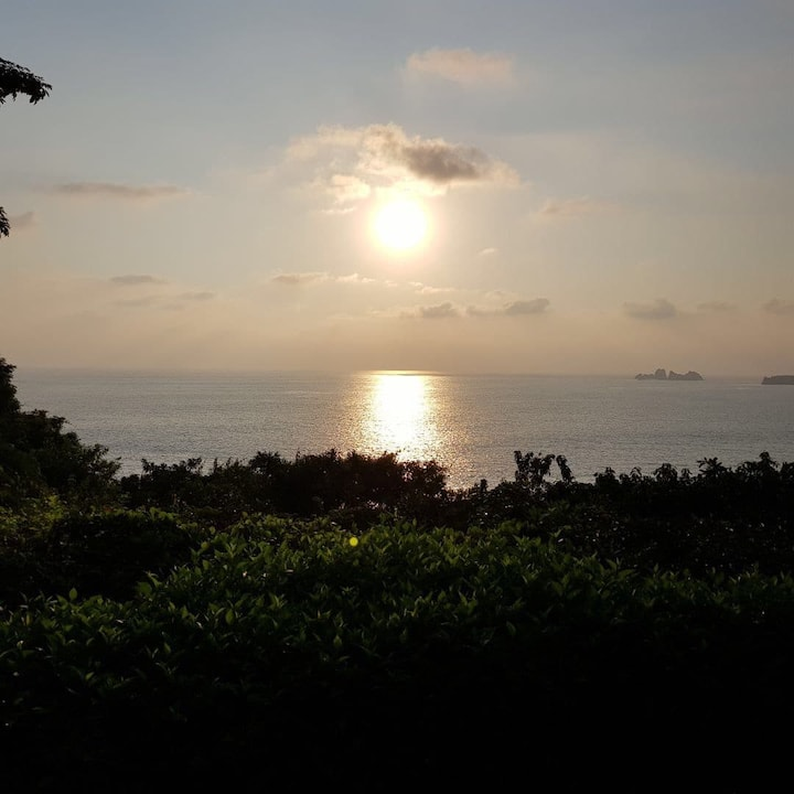La Casa de En Medio - Espectacular vista del mar