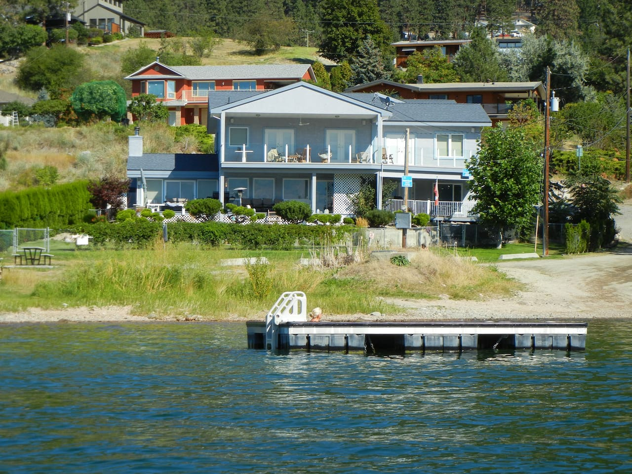 Gable Beach Vacation Suites Lake Side