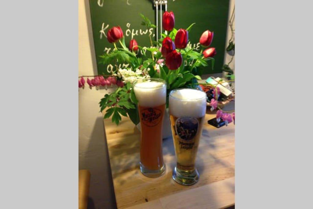Ein leckeres Bier oder ein Glas Wein erwartet den Gast