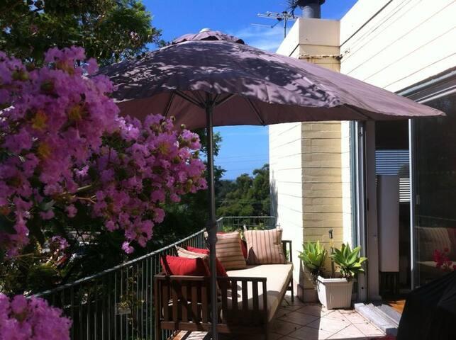 Bright room - Northern Beaches life - Mona Vale - Apartment