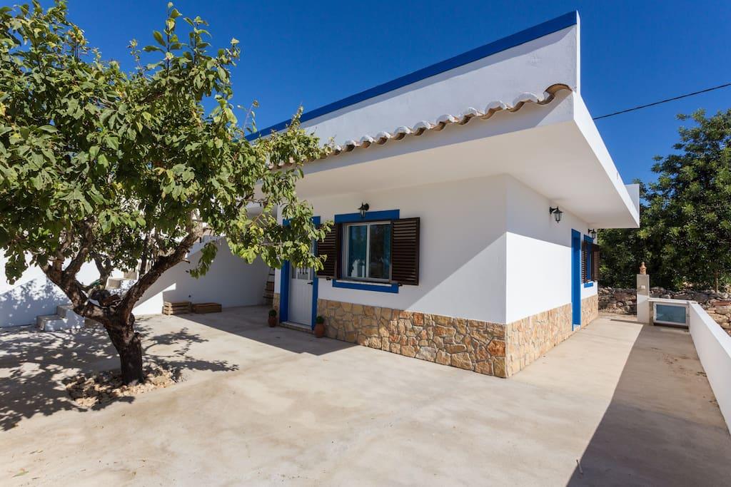 villa pech o vue sur la mer cabanes louer pech o faro portugal. Black Bedroom Furniture Sets. Home Design Ideas