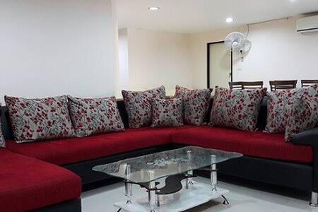 136 Sqm Big 3 B/R Cozy Family flat to relax enjoy! - Бангкок - Квартира