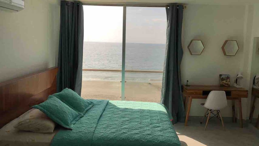 Master Bedroom - View to the Pacific Ocean, light blocking curtains