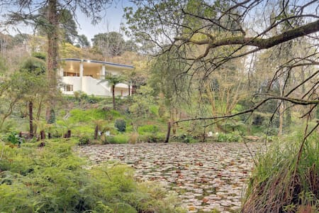 "Iconic ""Moonya"" - Grand Art Deco Lake Estate"