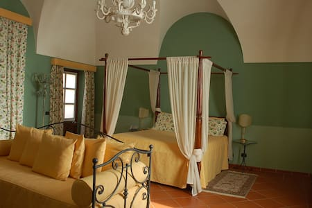 big room with garden - Bed & Breakfast