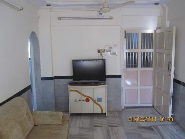 Service Apartment Versova fully doneup furnished,