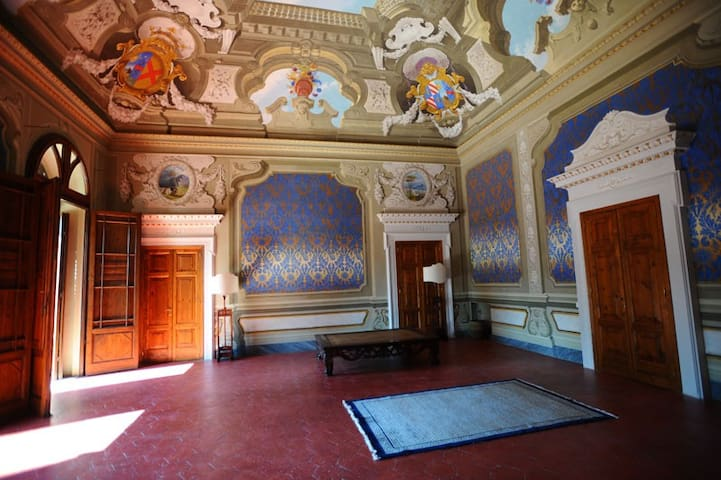 Beautiful rooms in Historical House - Acquaviva - Appartement