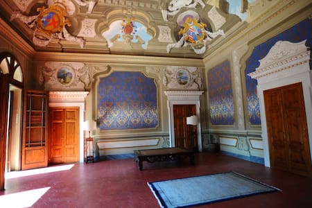 Beautiful rooms in Historical House - Acquaviva - Huoneisto