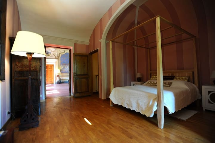 Romantic room in tuscany villa - Acquaviva - Huoneisto