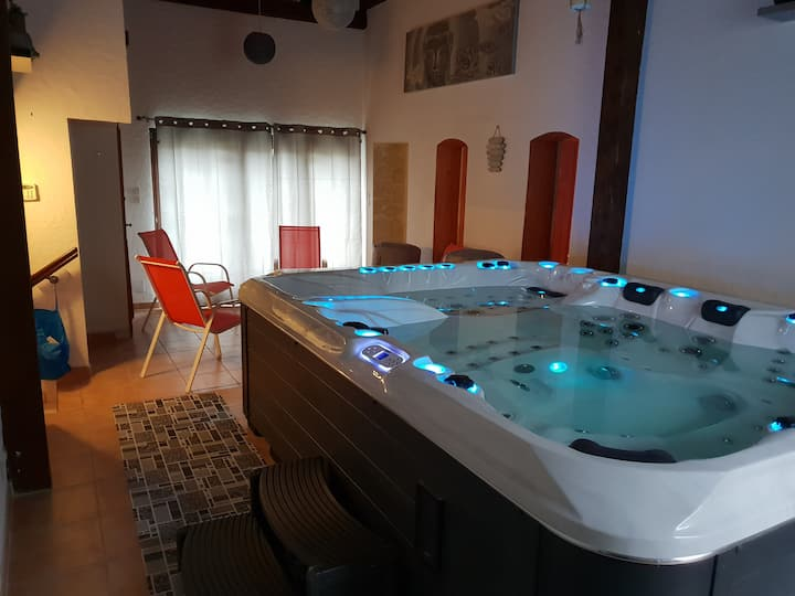 Villa Maélio privative de 2 à 8 pers Jacuzzi Sauna