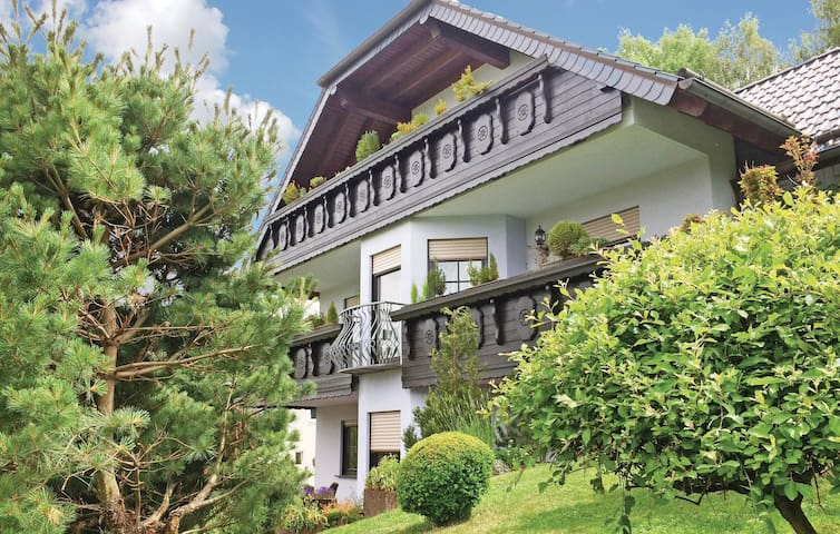 Holiday apartment with 2 bedrooms on 115m² in Kelberg