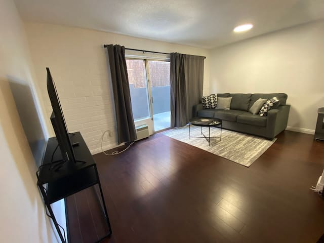 Amazing one bed with balcony access on 1st floor
