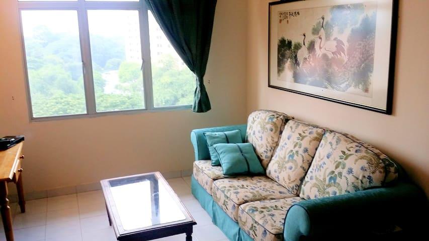 Cozy apartment at Tanjung Bungah - Penang - Apartment