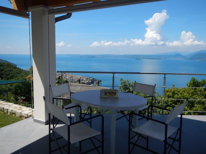 Incantevole soggiorno sul lago di Garda ID 4829