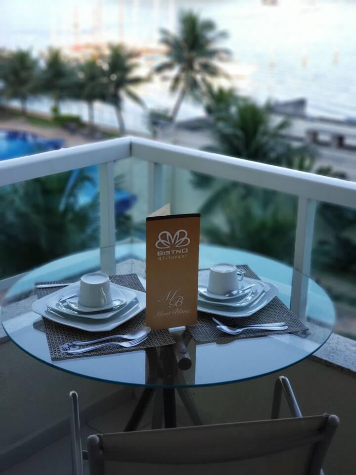 Vista da varanda do quarto, o cafe pode ser servido no quarto! É so solicitar na recepção(nao esta incluso cafe)