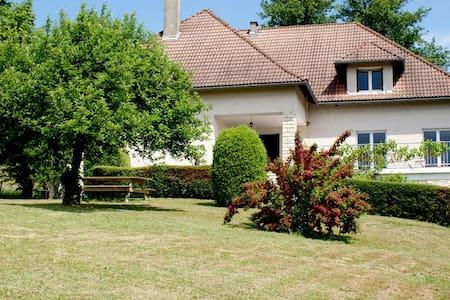 Relaxing stay at the Côte de Dèze - St. Etienne de Maurs