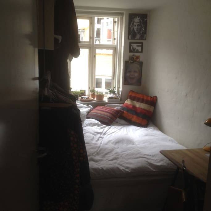Bedroom - desk, big bed and room for clothing